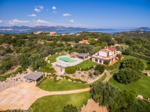 Detached villa a Porto Istana