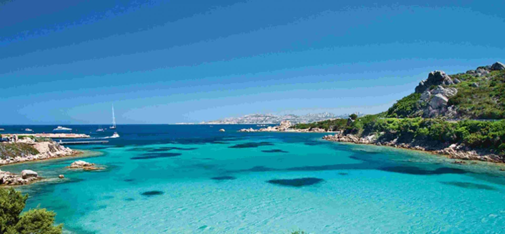 Itinerario lungo la costa nord della Sardegna