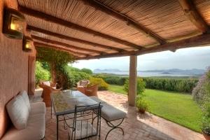 Villa Ginepro è stata progettata da Savin Couelle