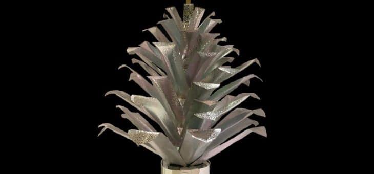 Pigna Natalizia, Chelita Riojas Zuckermann – Scultura – Fogli di Alluminio