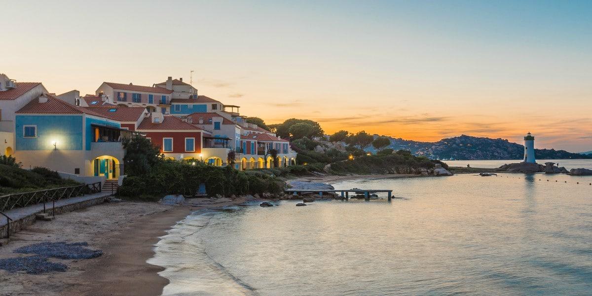 Appartamenti in affitto a Baia del Faro