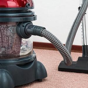 manutenzione ordinaria casa: pulizia della casa