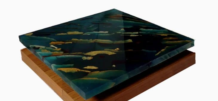Far from The Forest, Alessandro Lobino – Sculpture -Resin and Bred on Wood