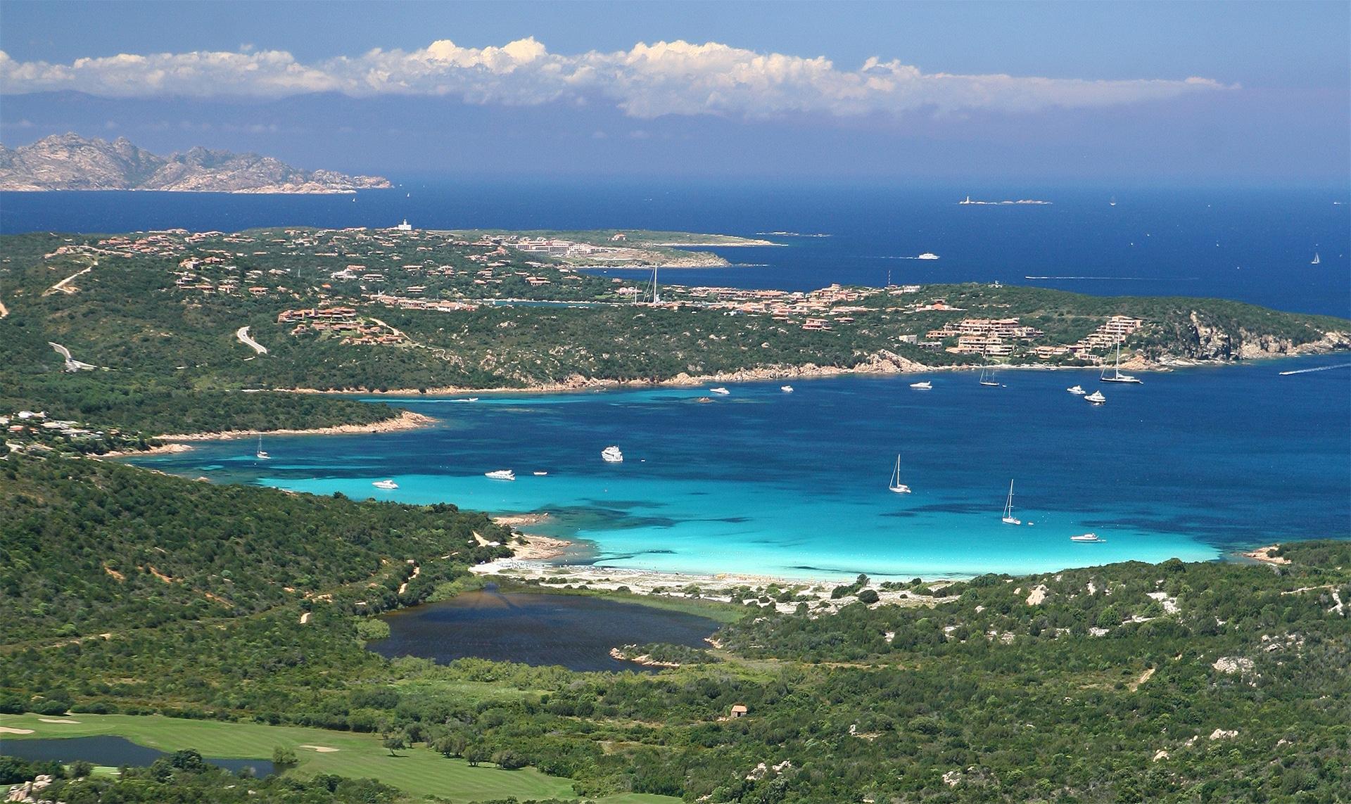 8 splendide ville e appartamenti in vendita sul golf in Gallura-Costa Smeralda