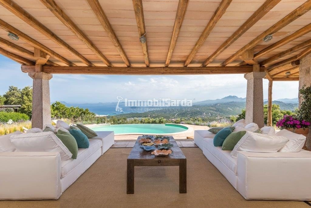 Villa Camelia - (5 bedrooms, 5 minutes by car from the Pevero Golf Club, Price upon request)