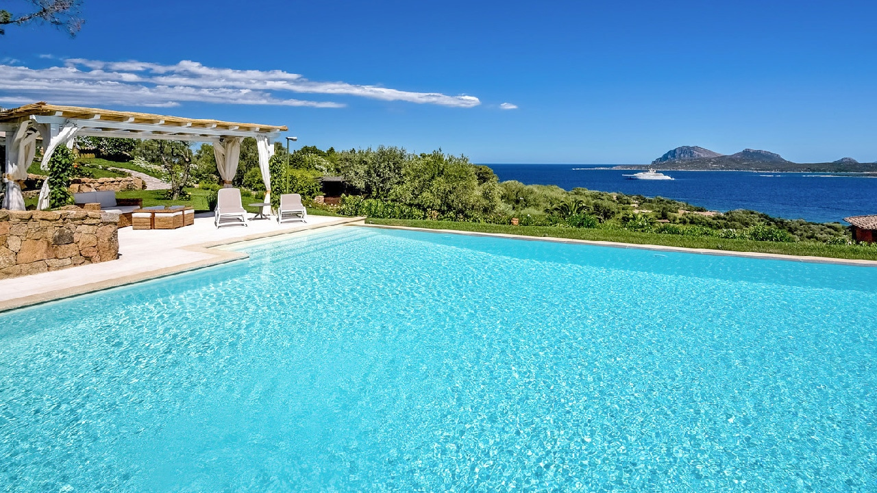 villas-pools-from-immobilsarda